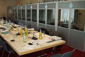 Media Digital-Mieten von Dolmetscheranlagen und Führungsanlagen für Ihre internationale Konferenz.