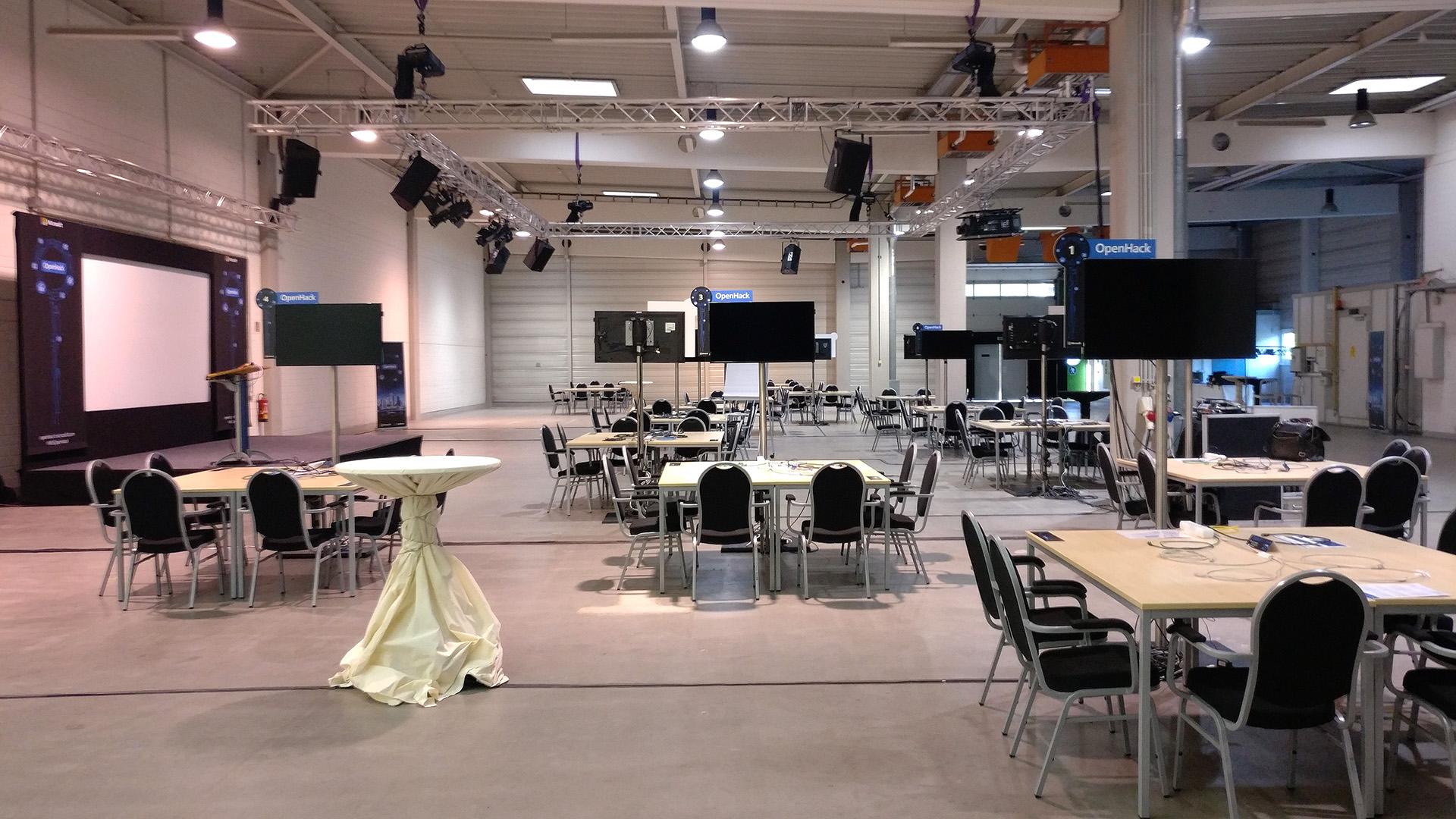 Media Digital - Referenzveranstaltung Microsoft in der Goldsteinhalle in Frankfurt. Ihr Full Service Partner für Professionelle Konferenztechnik